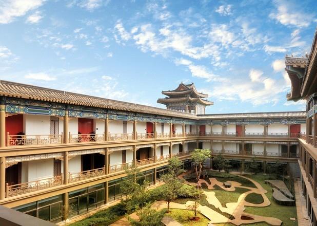 鸿洲江山庭院实景图