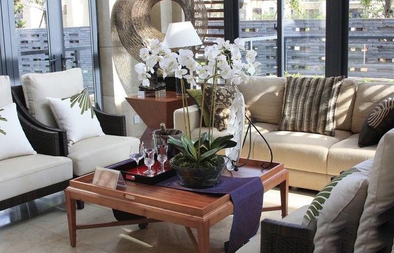 鸿洲江山T2精装样板间客厅装饰摆放实景图