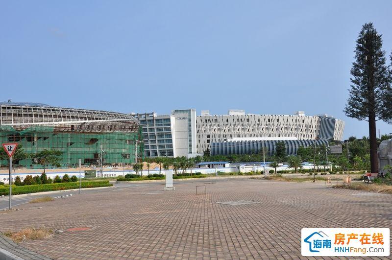 小区周边配套:海棠湾WESTIN酒店