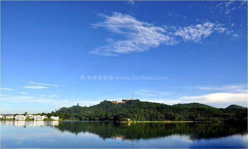 广物雅拉湖畔周边-云月湖