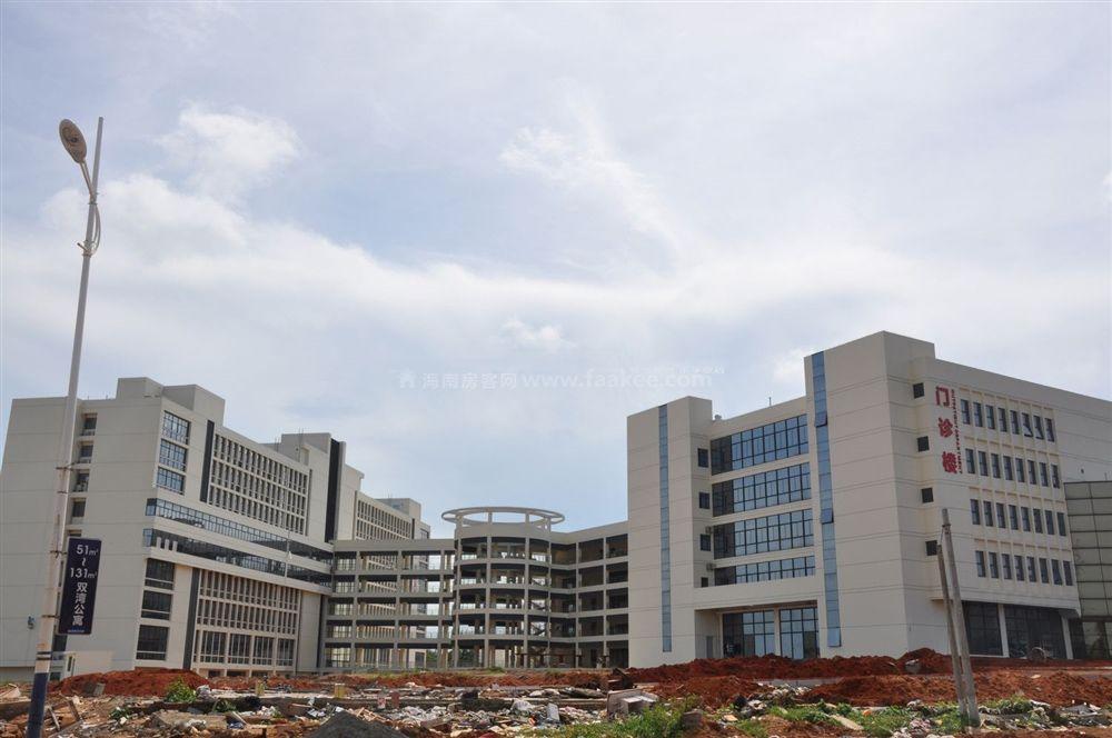 小区周边配套:市新人民医院