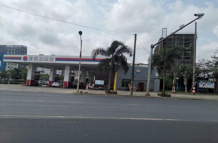 周边桂琼加油站