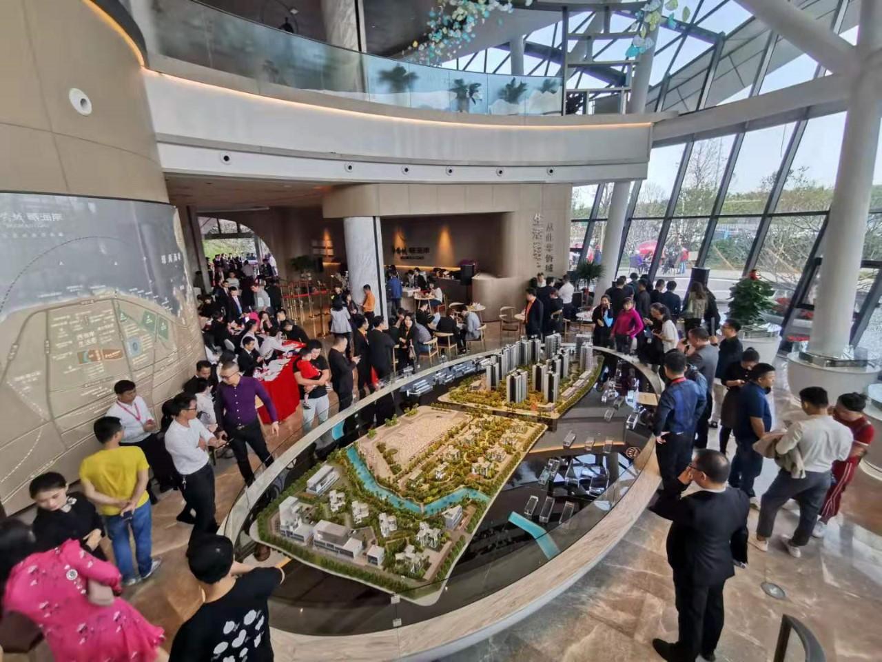@好消息!華僑城曦海岸已榮耀發售,首開勁銷3.8億,售樓處爆滿!